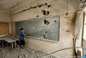Yong Palestinian back to school