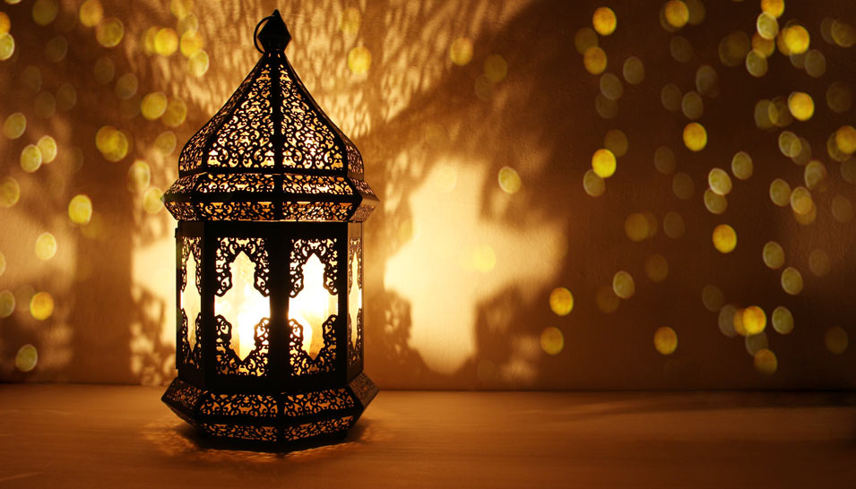 This image has an empty alt attribute; its file name is Ramadan-lanter2.jpg